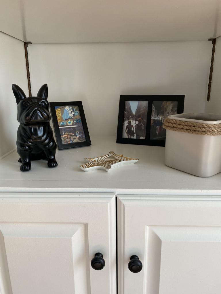 bookshelf decoration